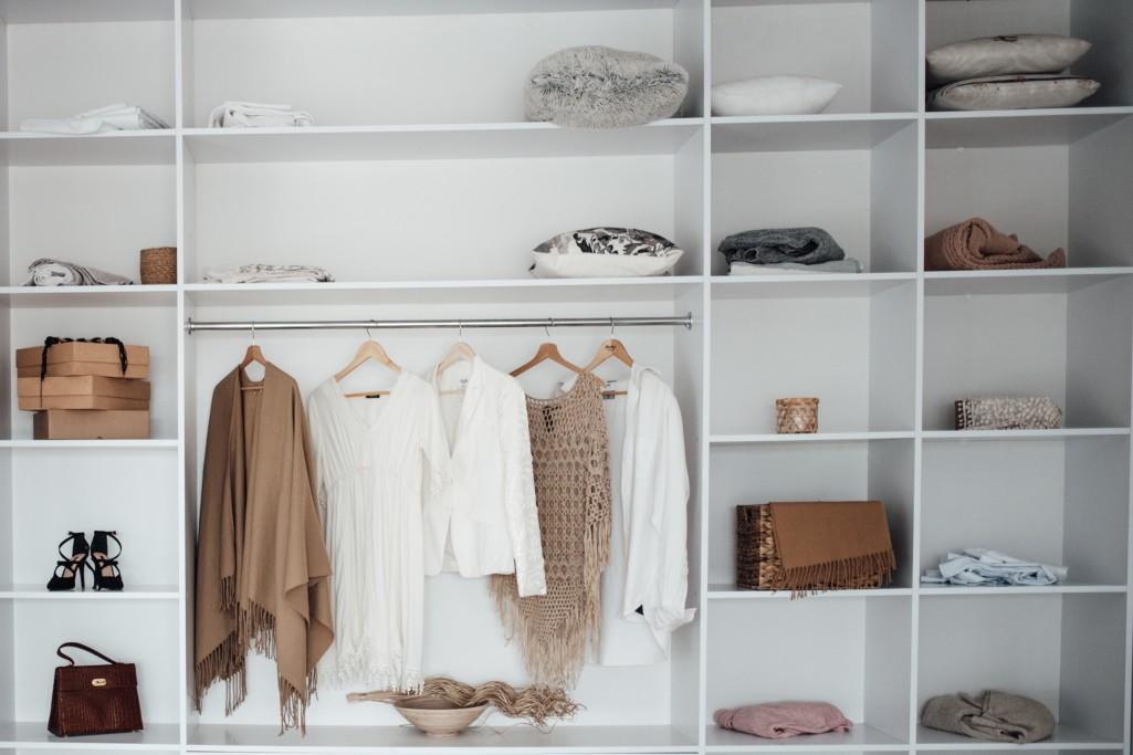 Porządek w szafie, czyli jak zapanować nad ubraniami